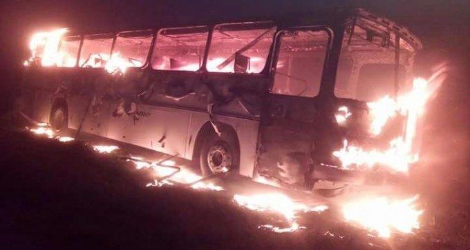 Ônibus é incendiadona Vila Batista