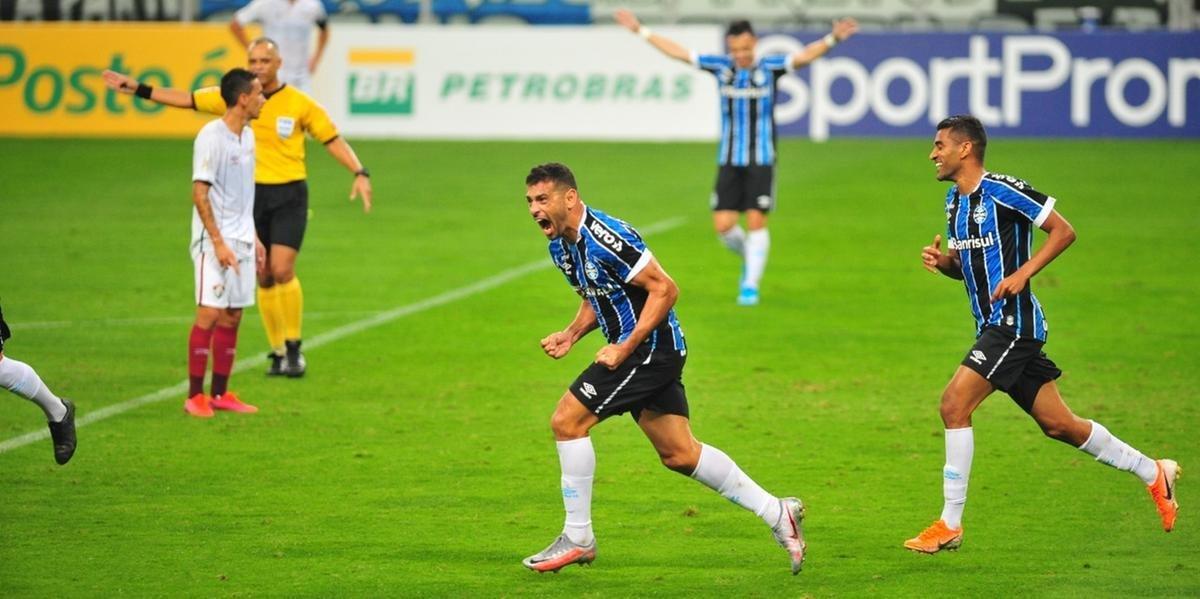 Diego Souza marca e Grêmio vence o Fluminense na estreia no Brasileirão